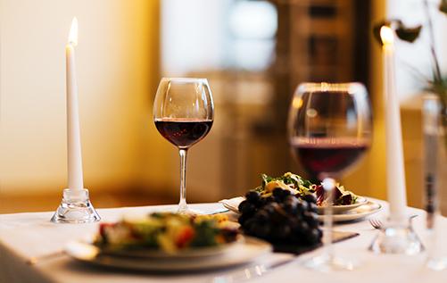 Il Plonner Dorf-Gasthof Wessling Dinner mit Wein